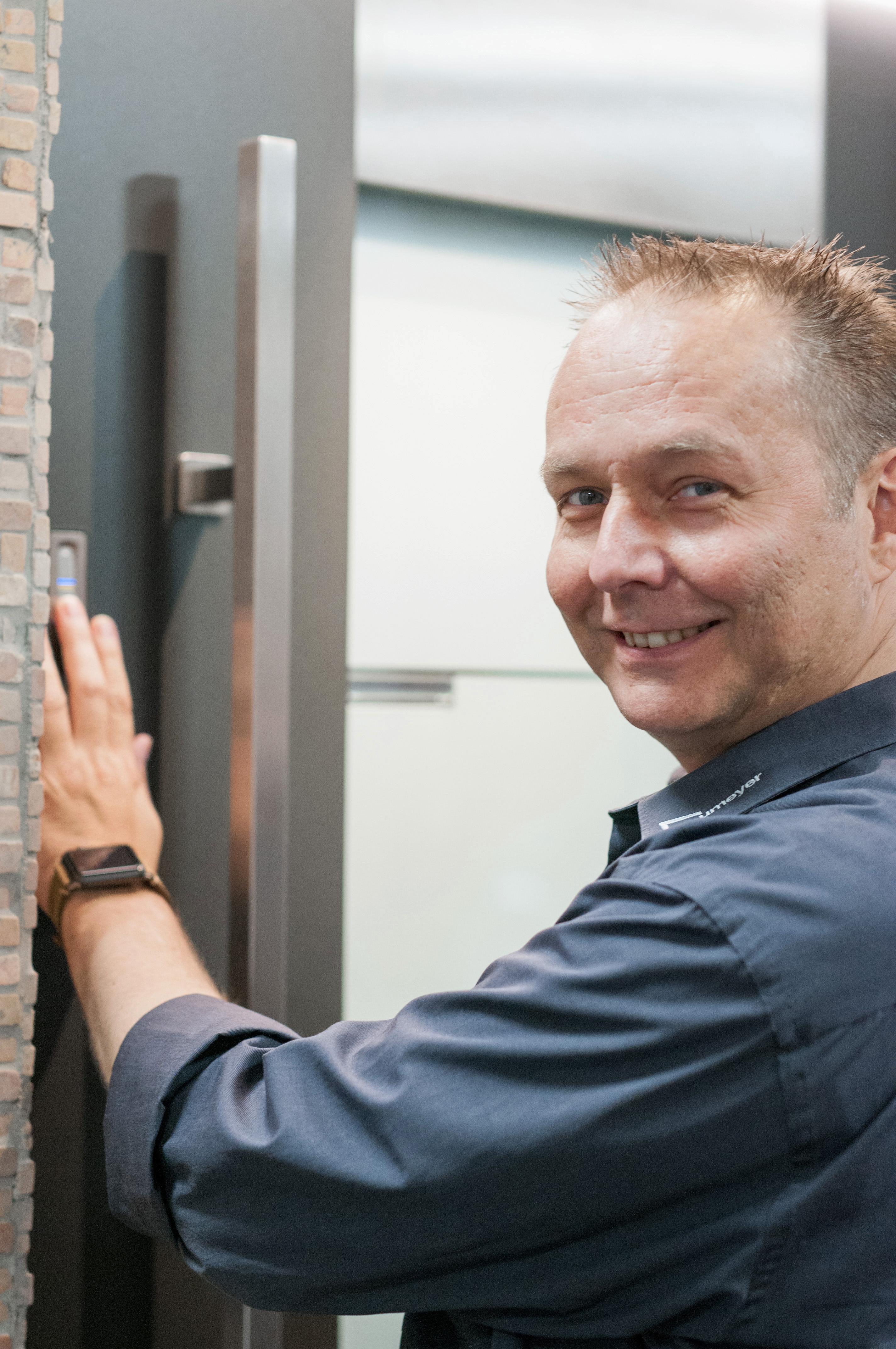 Einbrüchen die Tür zuschlagen! - Neumeyer – Sicherheitslösungen Für Fenster und Türen