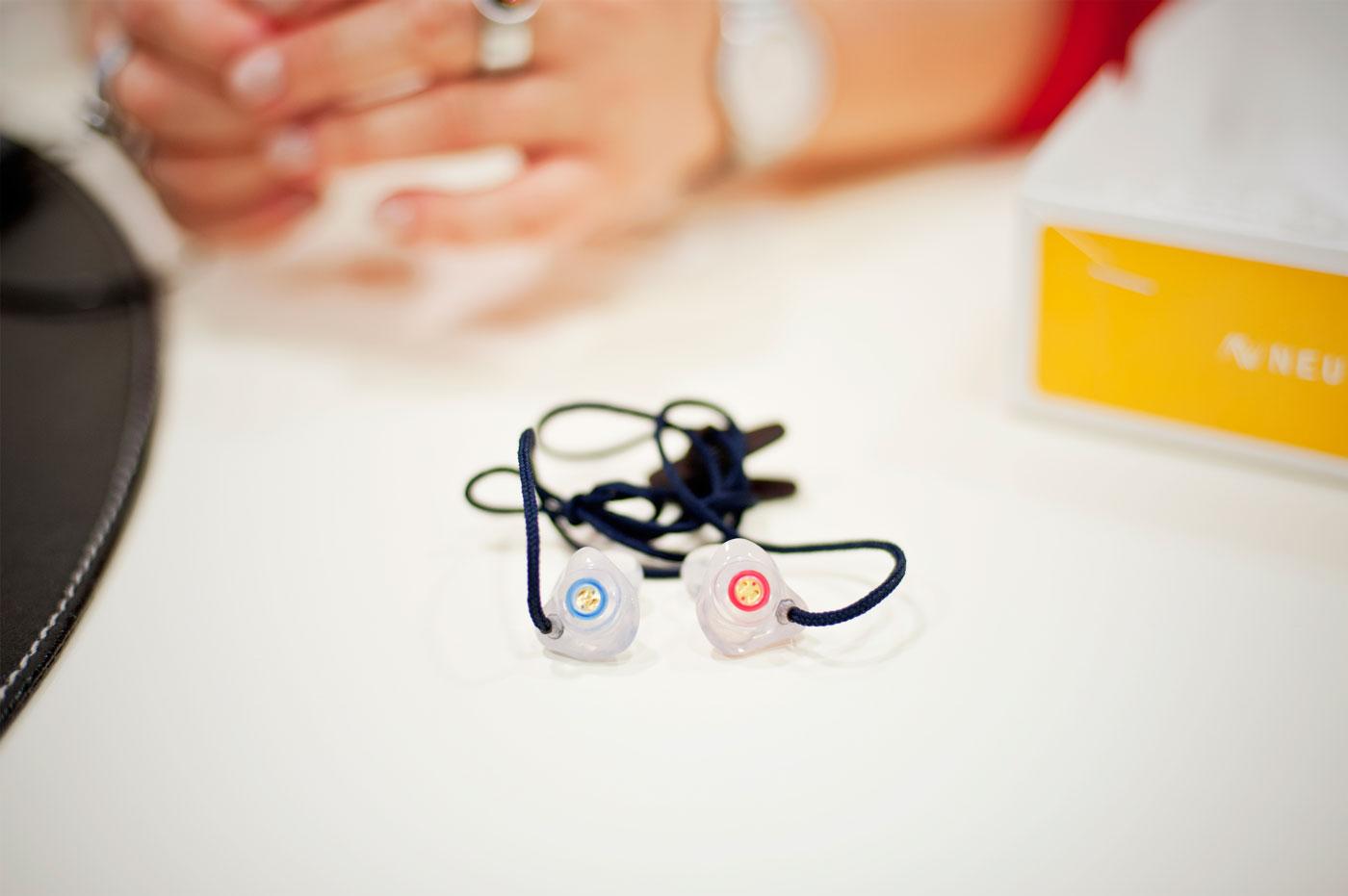 Neuroth-Hörcenter: Keine Angst vor dem Knopf im Ohr