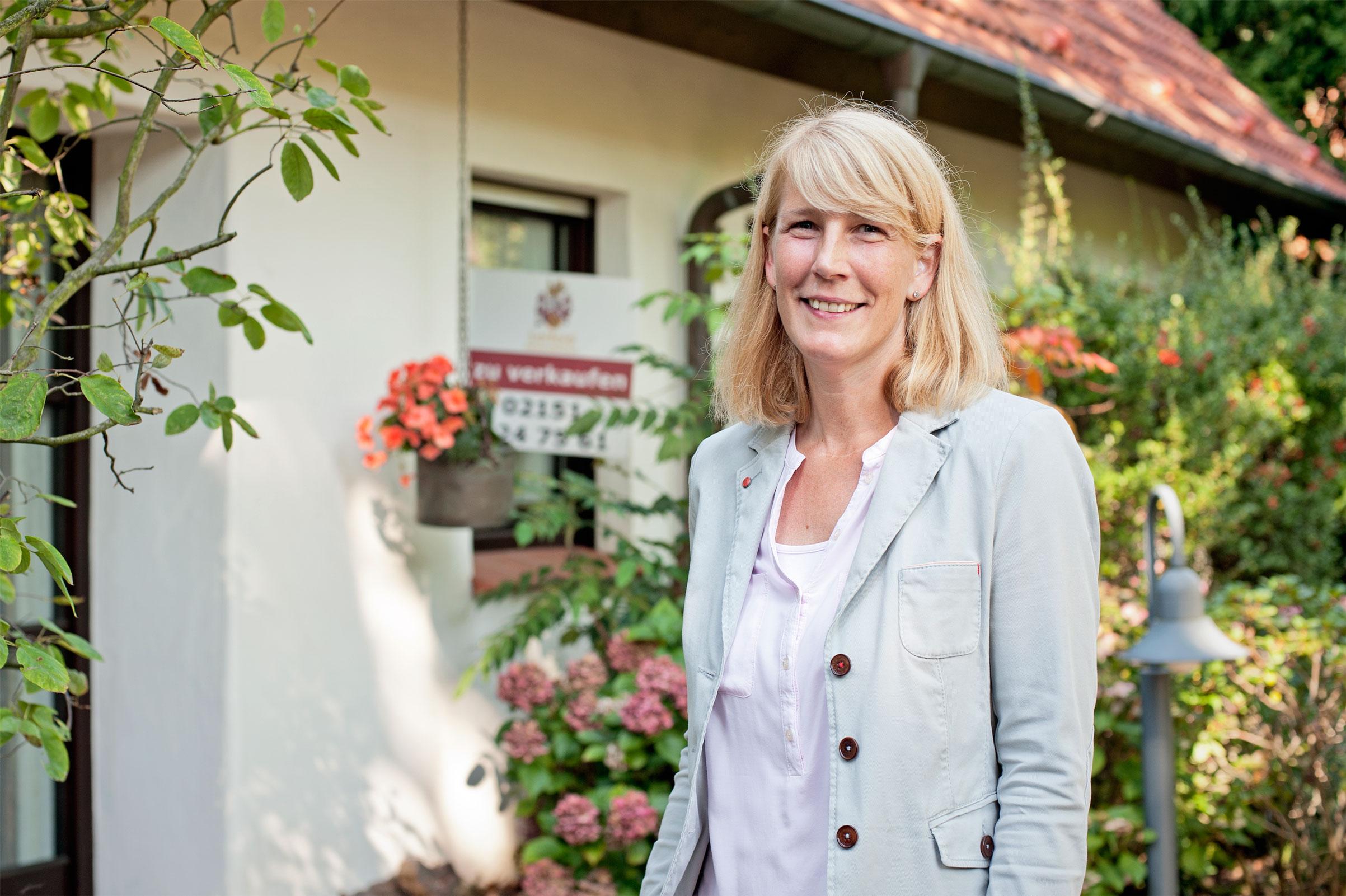 """""""Zum Glück wissen viele Menschen persönliche Beratung zu schätzen!"""" - Immobilienmaklerin Barbara Leifeld"""