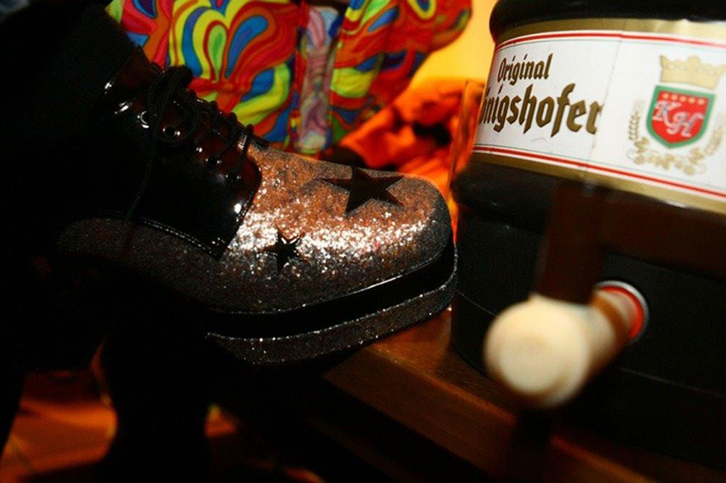 Schuh, Glitzer, Karneval