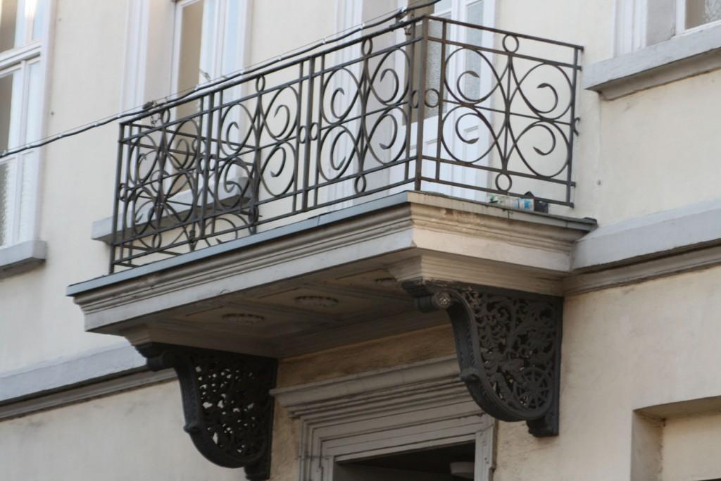 """""""Kunststofffenster wird es bei einem solchen Objekt niemals geben, und auch keine Glasfronten mit sieben Metern Länge und drei Metern Höhe. Bei einem Baudenkmal sind alle Veränderungen erlaubnispflichtig."""""""