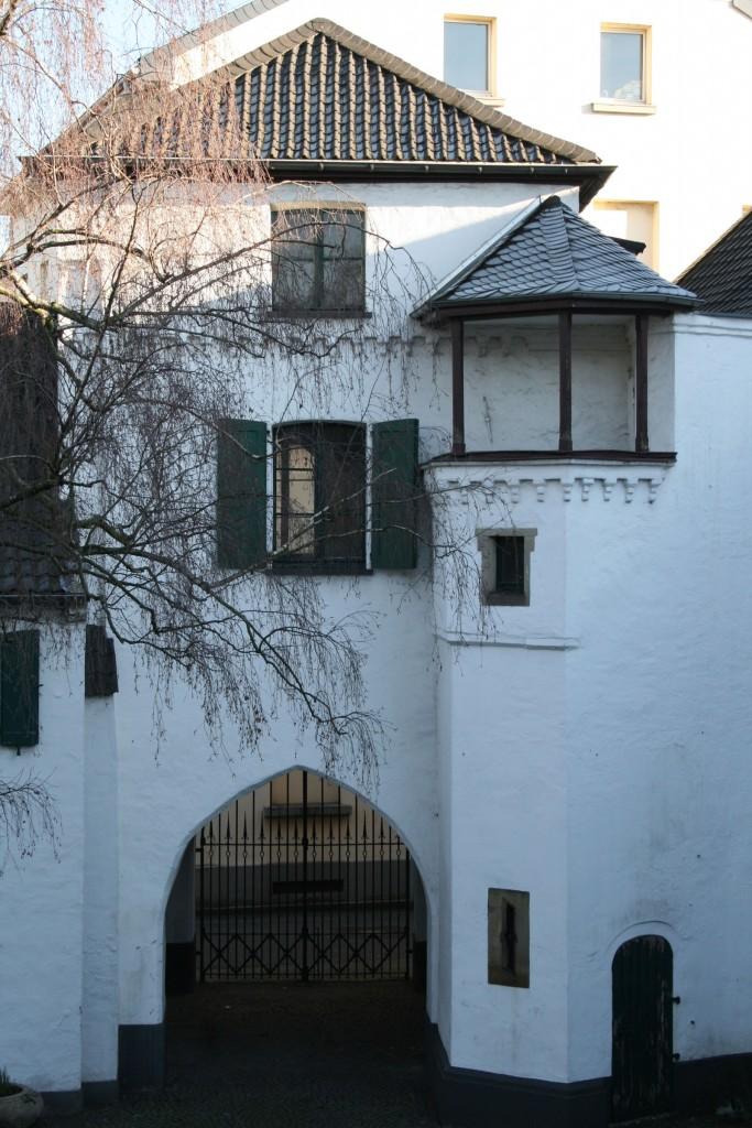 Den Geist  des Ortes spüren - Eine fiktive Fallstudie: Der Umbau des Brempter Hofs in Uerdingen zu einem Wohn- und Bürokomplex