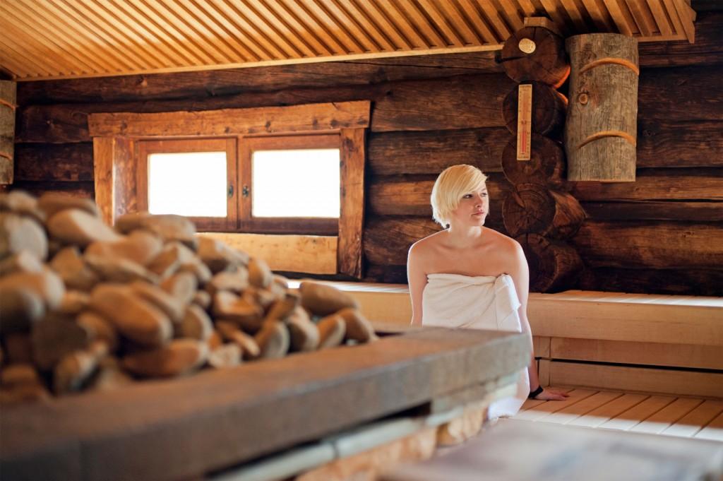 Sarah Deckel, Sauna