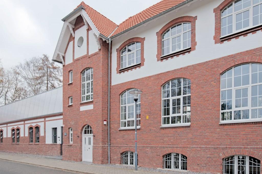Von der Lehranstalt zur Nobel-Repräsentanz - Campus Fichtenhain 66