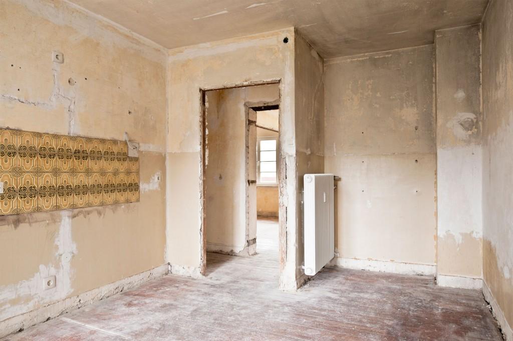 Sanierung, Zimmer, Kacheln