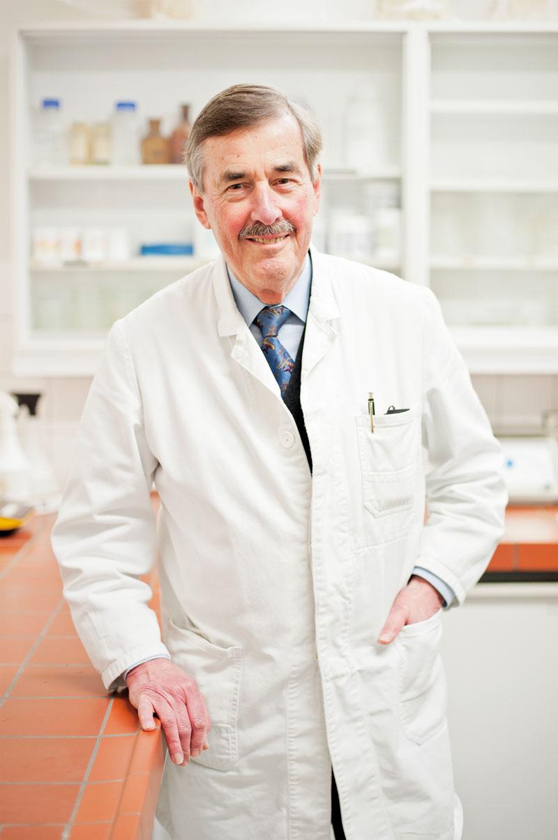 Auf den Spuren der Heilpilze, Prof. Dr. Dr. h.c. Jan Lelley, Institutsleiter der Gesellschaft für angewandte Mykologie und Umweltstudien