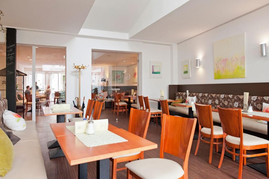 Stühle, Café