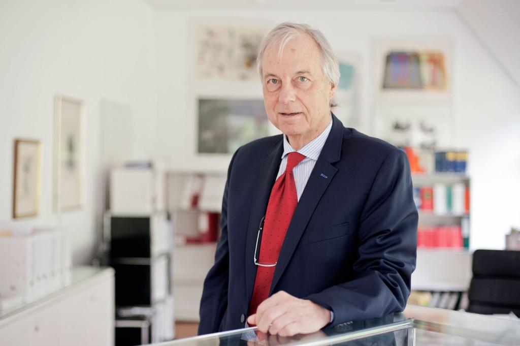 Dr. Tilman Herzog