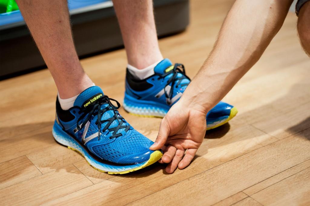 Schuhe, Hand